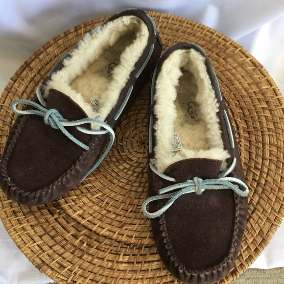 2caa21939f2 Ugg 5133 Dakota Brown Suede Clip On Slippers